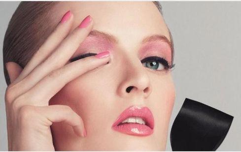 1278a7d32cd16 صور معلومات نصائح وفوائد لمكياج الوجه